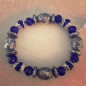 4 for $20 💫 | Dark blue beaded bracelet